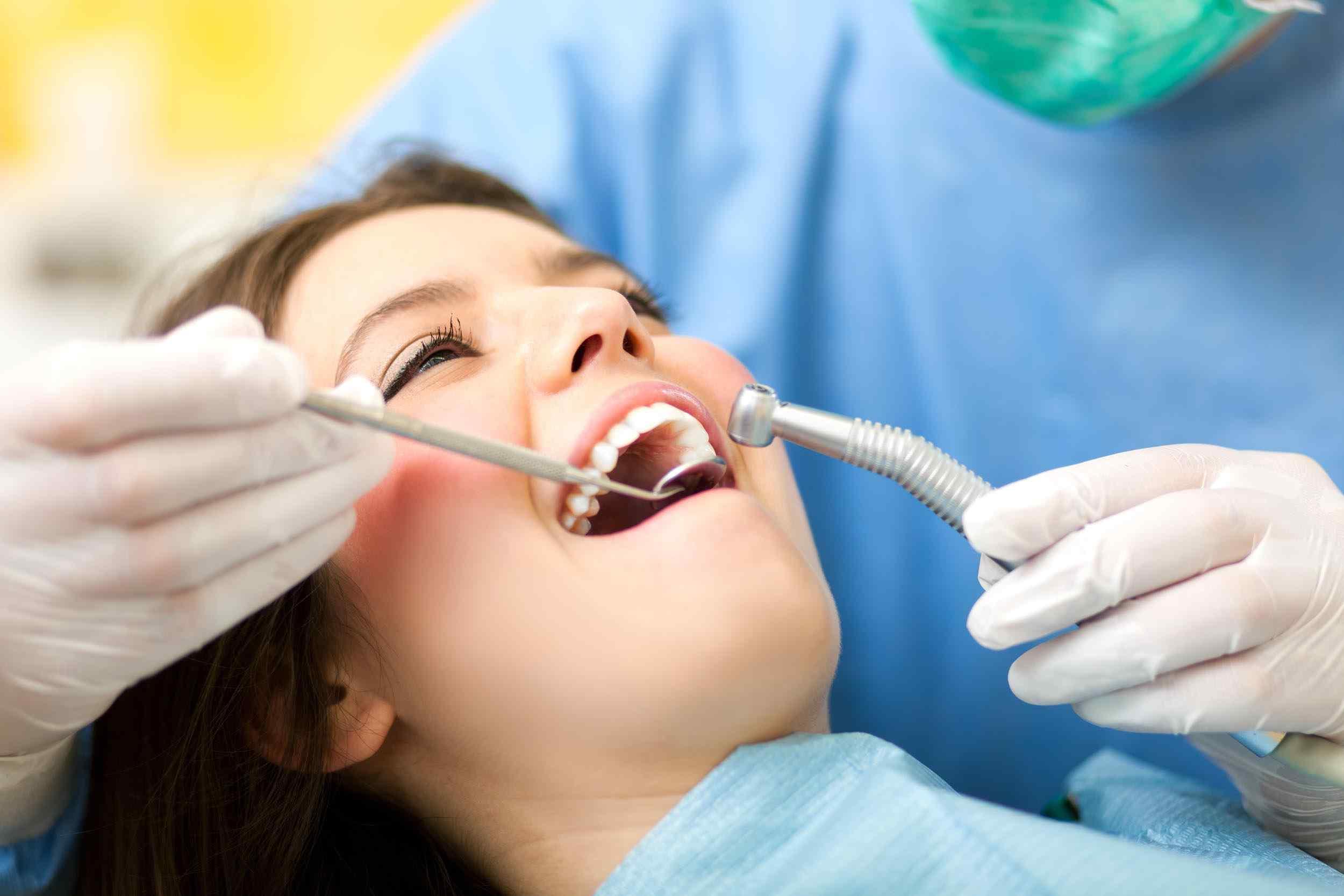 картинка лечи зуб укладываются стекло